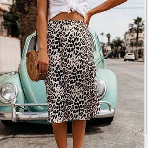 VICI leopard midi skirt